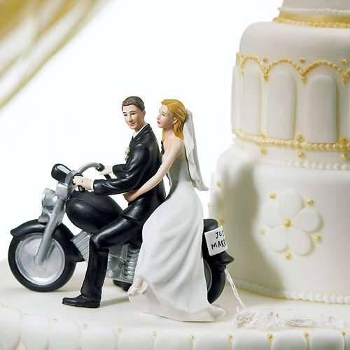 Tortenfigur Motorradfahrer mit Braut